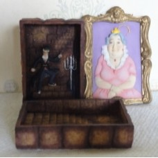 Fat Lady in Portrait Trinket Box